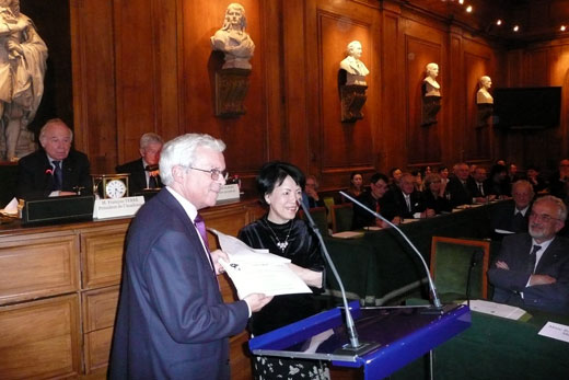 Professor Robert Ash Receives the Prize of the French Taiwanese Cultural Foundation at a ceremony in Paris